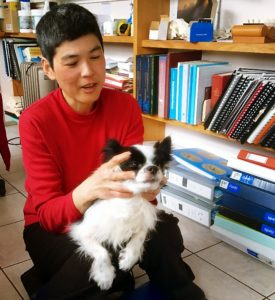 Dr Kim Lim of Geelong Creatures Comfort gives Rupert some craniosacral therapy as part of his treatment.